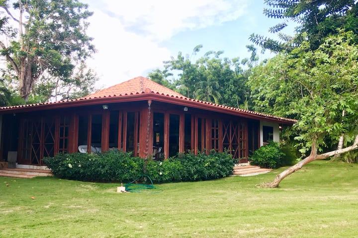 3 BR Villa, Casa de Campo, on Links, great wifi