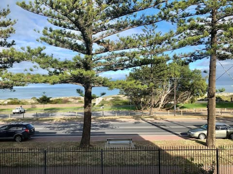 Adelaide,Semaphore Beach Front