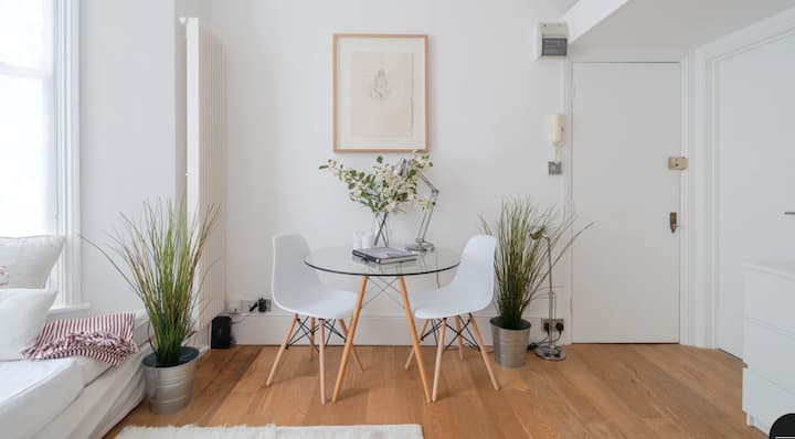 Gorgeous little flat in Notting Hill London