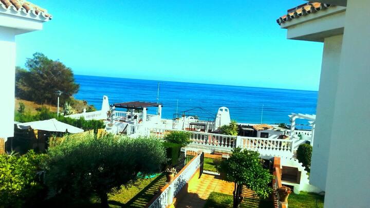 Las Violetas, house with garden, sea view, wifi,