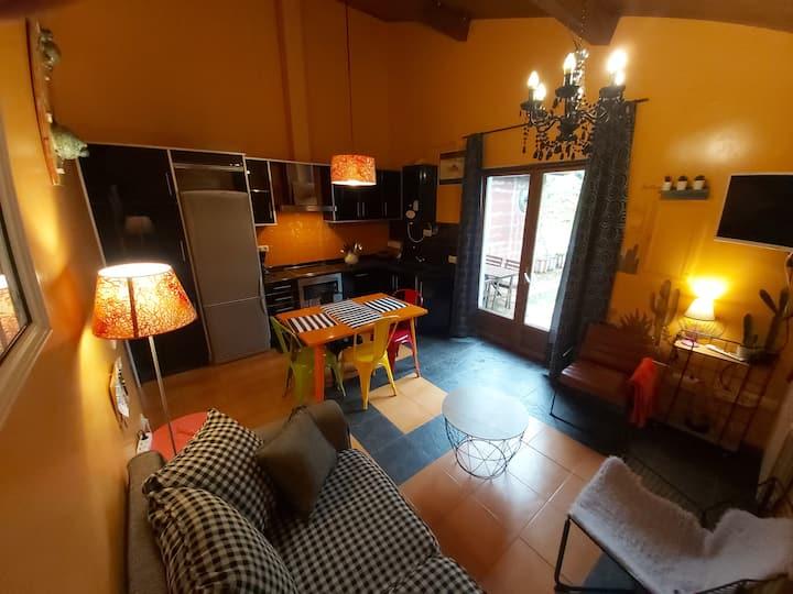 Apartment with garden.90A