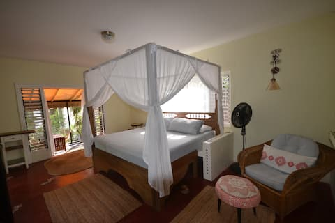 The Laila Suite, Katamah Beachfront Guesthouse