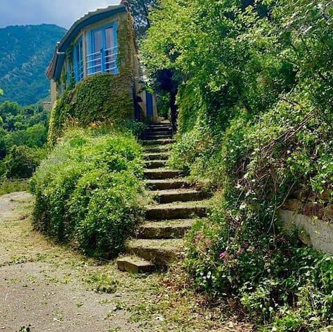 Maison Tilley - Rumah gunung yang unik - Pemandangan yang menakjubkan