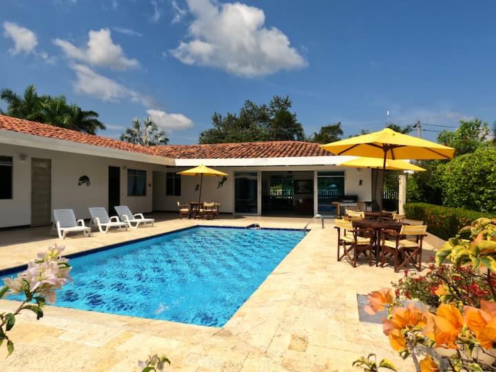 Finca vacacional: Casa Mirabilia -piscina privada