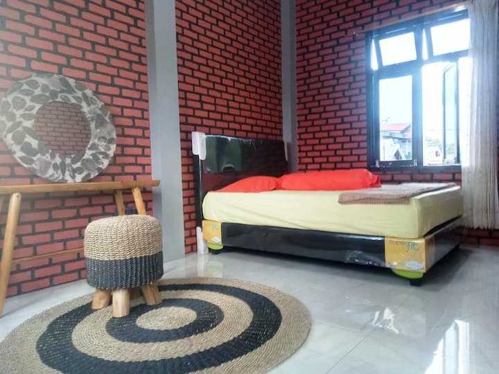 KURNIA HOMESTAY (4 ROOMS)