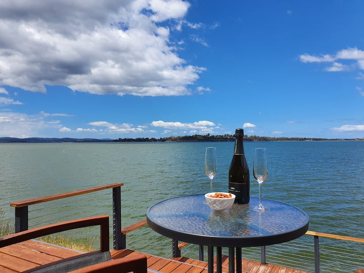 Oysterhouse: Luxury & privacy at the water's edge