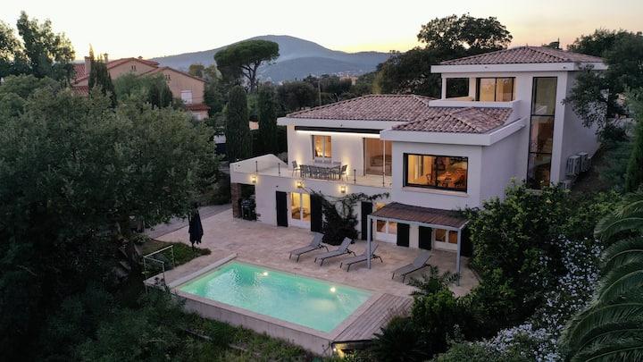 Villa Sainte-Maxime Pool/Sea view/near city centre
