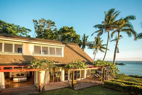 3 makuuhuoneen Air-Con Luxury Beachside Villa, auringonlaskut