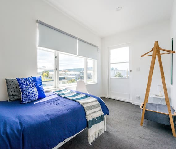 Lovely fresh bright room for a lovely stay