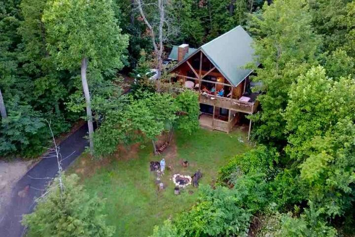 Secluded 1 Acre, MTN Views, Next to Dollywood