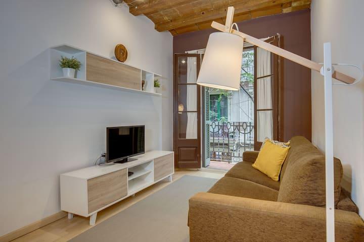 Nice apartment next to Sagrada Familia