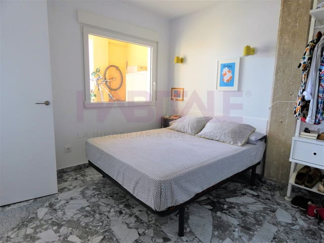 Habitación doble con aire acondicionado y cama king size