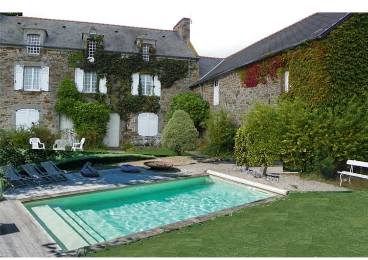 Lovely house with pool Mont St Michel and St Malo