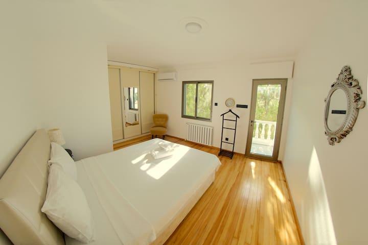 BEDROOM 5 / Chambre 5 / Schlafzimmer 5 / YATAK ODASI 5