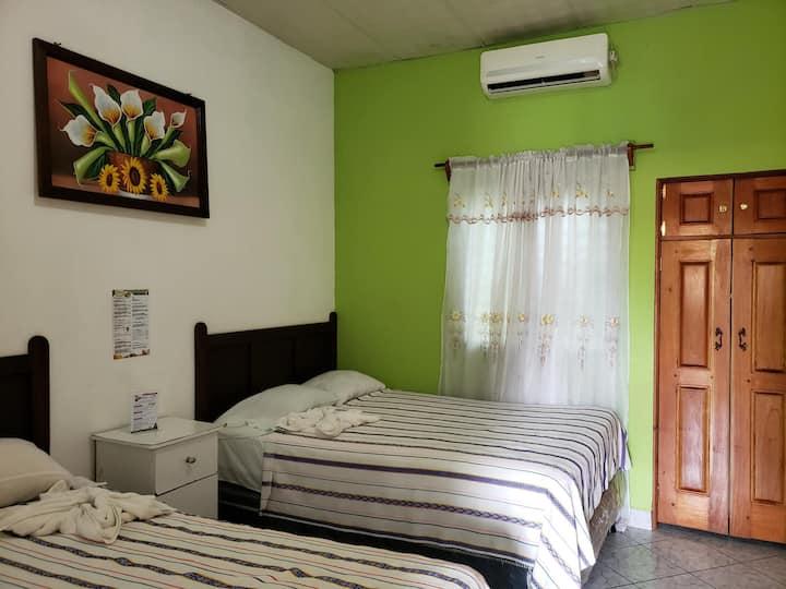 Tikal, Nice Rooms in El Remate