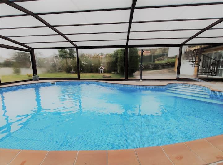 Mountain Chalet: private pool, garden, wifi.