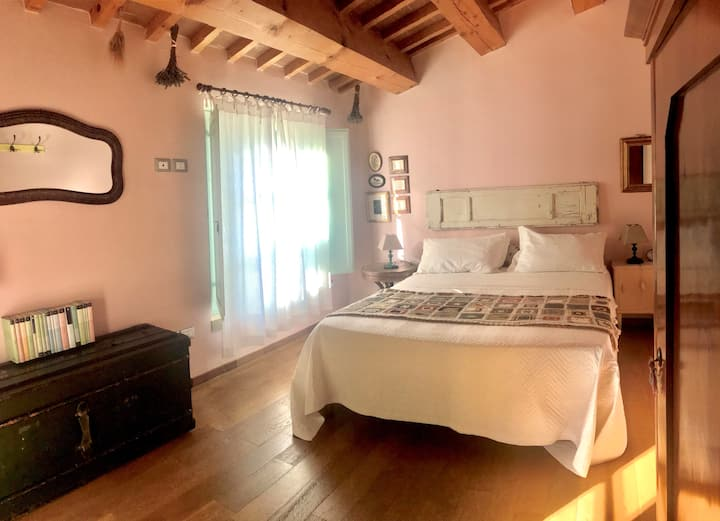 Quiet and bright room with private bathroom