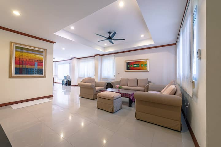 Pool villa, Jinta Patong house