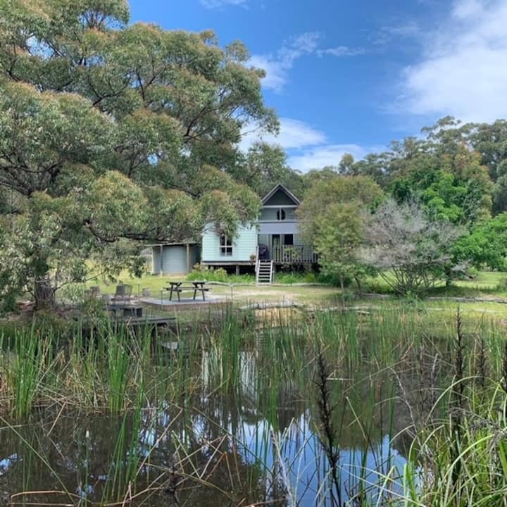 Corroboree Cottage on 25 acres - Pet Friendly