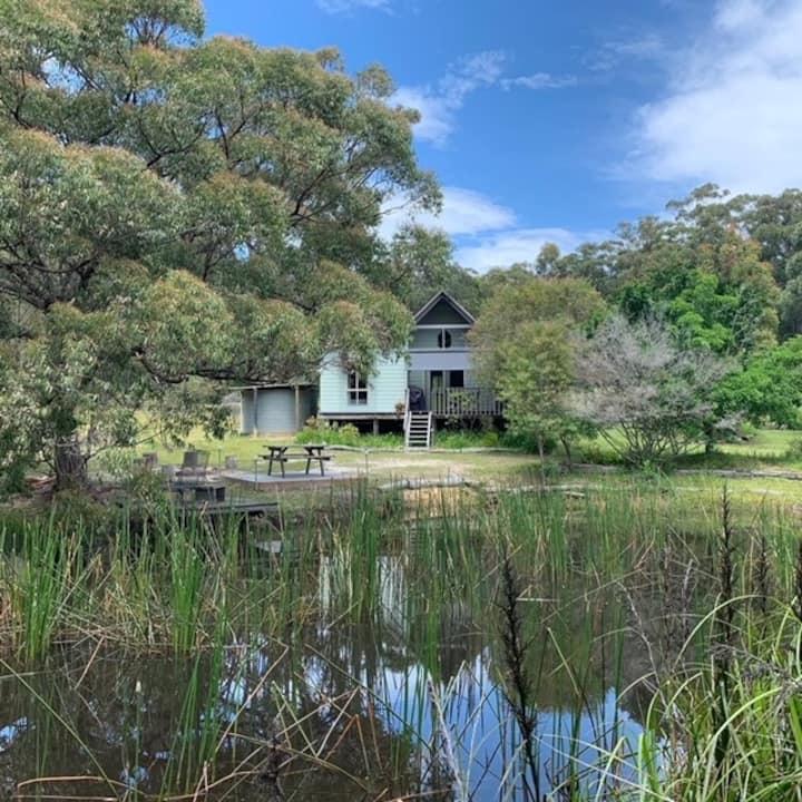 Corroboree Cottage on 25 acres - Pet Friendly