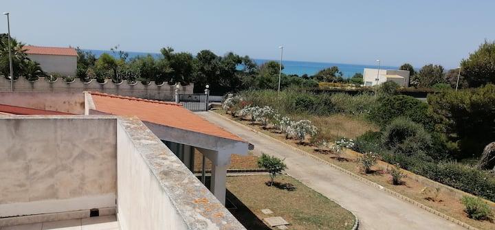Maison 200 mt de belle plage de sable DRAPEAU BLEU