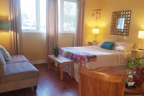 Lisa's Suite Serenity ~ no cleaning fee
