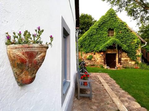 Henye Vintage Home