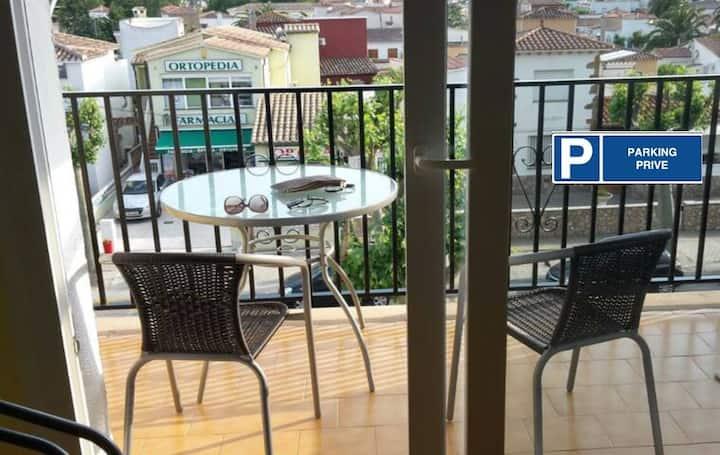 Joli appartement avec balcon - Plage à 10mn à pied