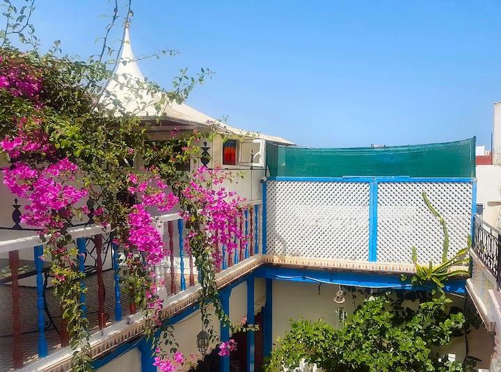 Tentes Marocaines + terrasse vue mer
