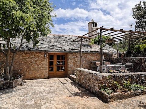 """Dalmatian Stone House """"Murvica"""""""
