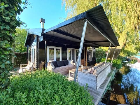 Beautiful Cottage in a great place near Amsterdam