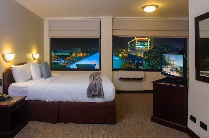 Parque del Lago Standard Room with 1 King Bed