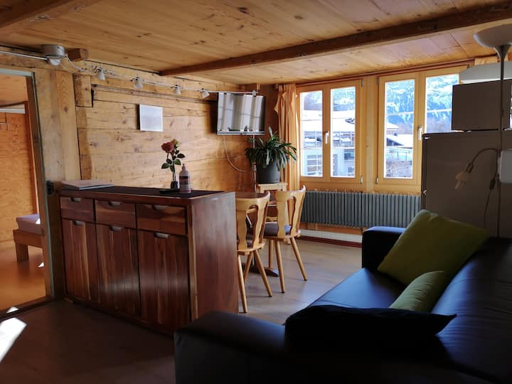 Familyroom with kitchen chez Martial