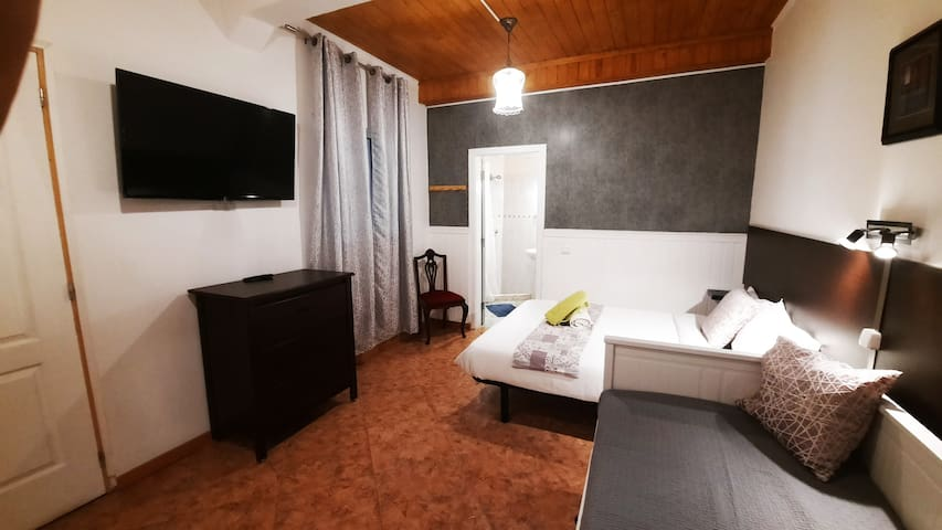 Room in Alcobaca near Monastery, up to 2-5 persons