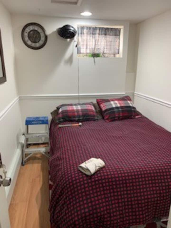 Cute & Cozy Short or Long Term Stay!