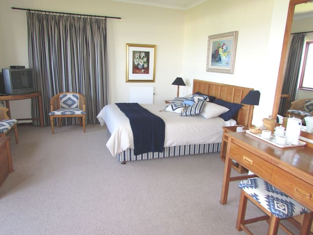 The Blue room. En suite (bath and shower) double room with private balcony and beautiful sea views.