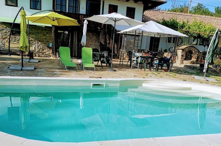 Villa Girgina - family friendly with personal pool