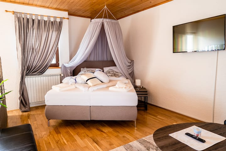 Two bedroom Apartment Florjana