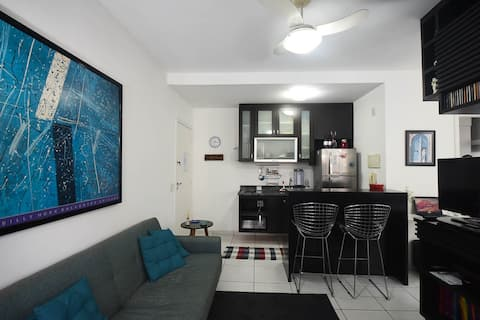 Bright and modern apartment near Shopping Centers