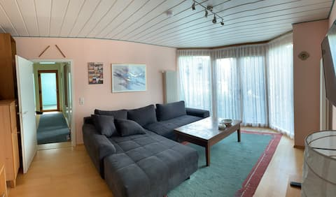 2 1/2 rooms, seperate entrance, very calm area