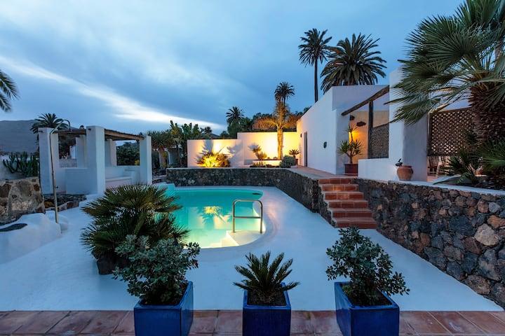 +Casita Susi is a dream poolside villa