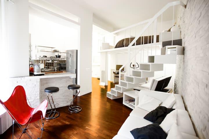WHITE: Gym & Relax Apartment Center Milan