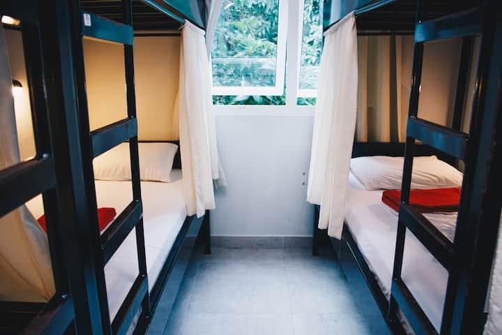 Private room shared bathroom in Copacabana Hostel