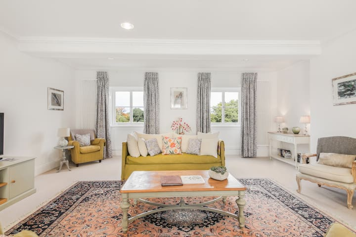 Elegant Luxury suite