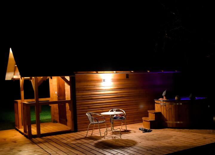 Sasaki: Dom, Sauna, Bania z gorącą wodą