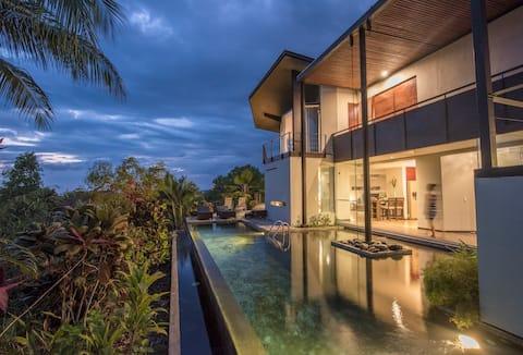Villa tropicale moderne avec piscine privée + maison d'hôtes
