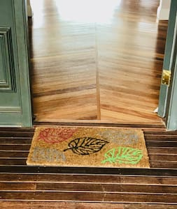 No steps into the house through the main entrance.