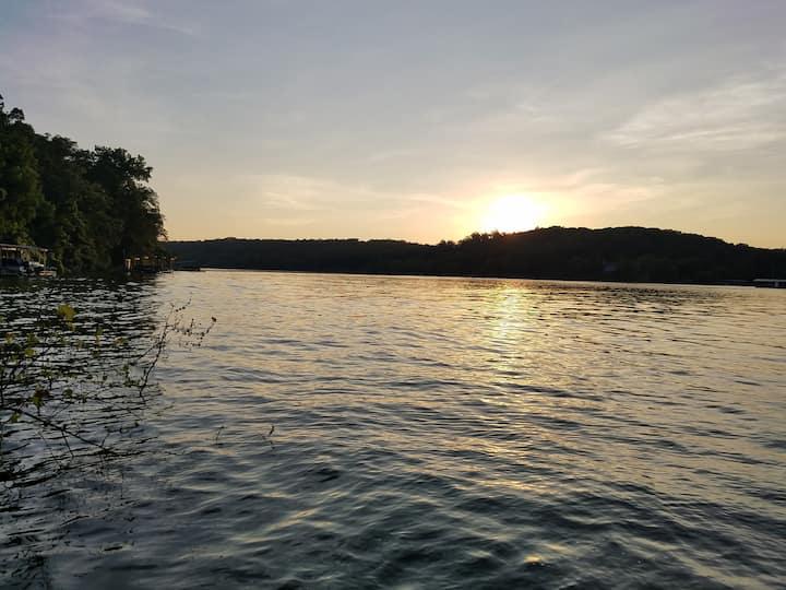 Otter's Landing on Beaver Lake
