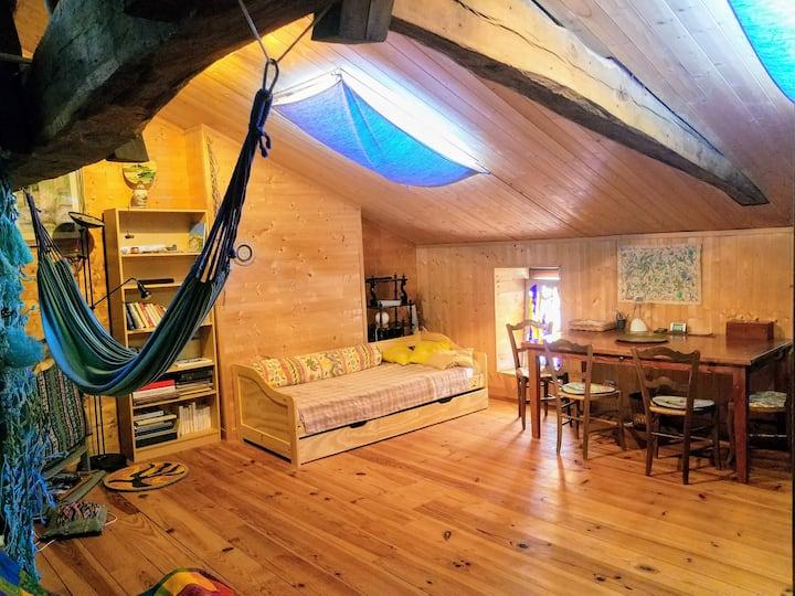 Studio équipé sous les toits 60m2
