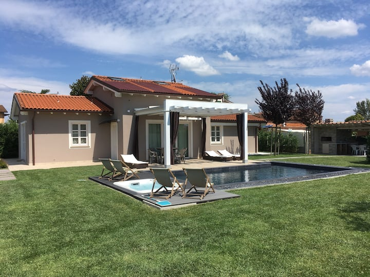 Luxury Villa whit Black pool & Jacuzzi